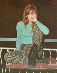 Fashion Francoise Hardy Ideas - Fashion Francoise Hardy Ideas Source by izzanu_maru - 70s Women Fashion, Decades Fashion, Sixties Fashion, Retro Fashion, Vintage Fashion, 60s Inspired Fashion, 80s Fashion Icons, Françoise Hardy, Vintage Mode