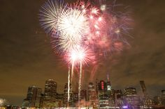 The annual 'Macy's of July Fireworks Spectacular' will light up the sky over New York City for the year this weekend. 'Today' co-hosts Willie Geist and Tamron Hall will return to host the two-hour. 4th Of July Trivia, Fourth Of July, Fireworks Show, 4th Of July Fireworks, Meghan Trainor, Kenny Chesney, New York Post, 5 Seconds Of Summer