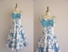 1950s dress  blue floral print dress  vintage door simplicityisbliss