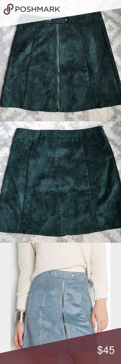 Anthropologie- Bishop + Young- faux suede skirt VGUC. 57% Rayon and 43% Viscose. Hand wash only. Skirts