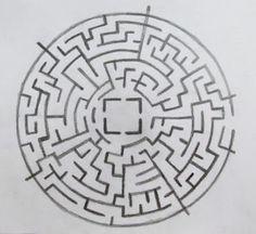 Ideias Personalizadas : DIY: Pintando uma Camiseta Maze Runner Tamara Film, Maze Drawing, Runner Tattoo, Greek Pattern, Custom Temporary Tattoos, Cool Tats, Painting Collage, Small Tattoos, Tatoos