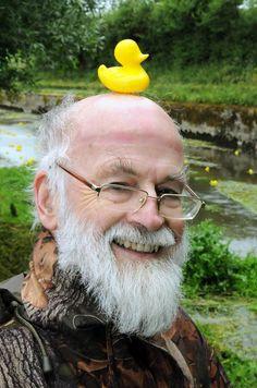 """isn't it time you fed your duck?"" ""What duck?"" Sir Terry Pratchett at the Broad Chalke Duck Race Discworld Characters, Terry Pratchett Discworld, Neil Gaiman, Novels, Fandoms, Writers, Theatre, Giant Tortoise, Word Nerd"