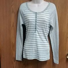 Grey and White Stripped Sweater Worn often but still in great condition. Size medium. Old Navy Sweaters Crew & Scoop Necks