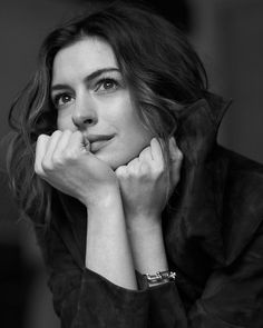 Anne Hathaway covers The Sunday Times Style February 2019 by Sebastian Kim American actress Anne Hathaway is the cover star of The Sunday Times Style's February 2019 issue captured by photographer Sebastian Kim. In charge . Pose Portrait, Portrait Studio, Portrait Photography Poses, Photography Poses Women, Female Portrait, Photography Photos, Girl Photo Poses, Girl Photos, Black And White Portraits