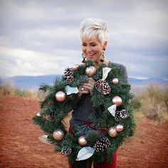 I say this every year….it's time for BLACK FRIDAY again….wait……what? It comes around faster and faster every year! Chic Over 50, Makeup For Older Women, Line Shopping, Holiday Looks, Holiday Outfits, Best Makeup Products, Happy Holidays, Happy Shopping, Black Friday