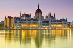 Hungarian Parliament Building (Parlamentsbygningen), Budapest, Hungary (Ungarn)