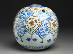 Base of a water pipe with floral decoration, Iran, Safavid Period (1501 - 1722) - Alain.R.Truong