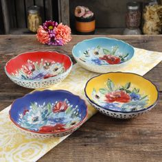 Shop for THE PIONEER WOMAN Dinnerware Sets in Dining & Entertaining. Buy products such as The Pioneer Woman Farmhouse Lace Dinnerware Set at Walmart and save. The Pioneer Woman, Pioneer Woman Pasta, Pioneer Woman Dishes, Pioneer Woman Kitchen, Pioneer Women, Pasta Bowl Set, Vintage Bowls, Vintage Pyrex, Cookware Set