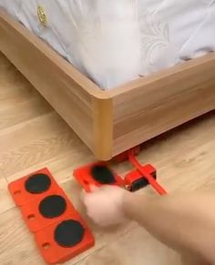 Moving Heavy Object Handling Tool - Home Wohnzimmer DIY Wohnzimmer Wohnzimmer wanddeko Diy Para A Casa, Diy Casa, Cool Gadgets To Buy, Cool Kitchen Gadgets, Kitchen Tools, Kitchen Hacks, Diy Home Crafts, Diy Home Decor, Moving Furniture