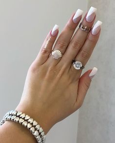 Want some ideas for wedding nail polish designs? This article is a collection of our favorite nail polish designs for your special day. Long Nail Designs, Simple Nail Designs, Diy Nails, Swag Nails, Grunge Nails, Glitter Nails, Diagonal Nails, Natural Nail Art, Acrylic Nail Shapes