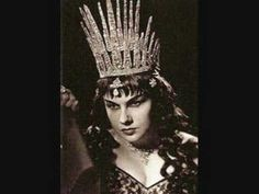 Mimi Coertse sings Der Hölle Rache from Die Zauberflöte by Mozart recorded in Mimi Coertse sang the role of The Queen of the Night more than 500 times . I Gen, Opera Singers, Classical Music, The Past, Art, Revenge, Art Background, Kunst, Performing Arts