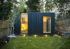 Garden room by Neil Dusheiko features walls of charred cedar — Dezeen - - Charred cedar clads the exterior of this garden room that architect Neil Dusheiko designed as an office-cum-yoga studio for a north London residence. Outdoor Office, Backyard Office, Backyard Studio, Shed Office, Office Kit, Office Pods, Garden Pods, Garden Cabins, Modern Shed