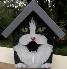 This bird house is a hand painted EXAMPLE of a black tuxedo cat with white chest. Each birdhouse is one of a kind. Custom orders of various cat breeds are welcome. Makes a great gift for the cat lover! Hand painted wood with acrylics and sealed wit Bird House Feeder, Diy Bird Feeder, Bird Houses Painted, Bird Houses Diy, Painted Birdhouses, Bird House Plans, Bird House Kits, House Painting, Painting On Wood