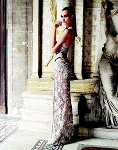 Karlie Kloss - Vogue Greece