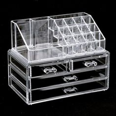 The ultimate makeup storage box is ideal for organizing and displaying your makeup and cosmetics. Specifications: Color: Clear Material: Acrylic Dimension: 9.4 x 7.5 x 5.9in / 24 x 19 x 15cm Size of E