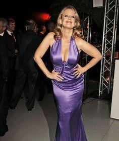 Barbara Schöneberger im violetten #Kleid