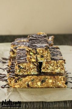 no-bake-granola-bars-chocolate