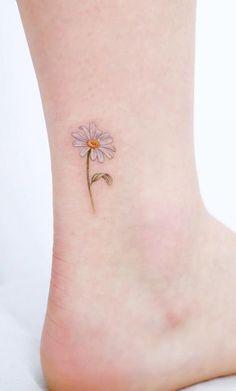 Cute Small Tiny Watercolor Delicate Daisy Ankle Tattoo Ideas for Women - ideas . - Cute Small Tiny Watercolor Delicate Daisy Ankle Tattoo Ideas for Women – ideas de acuarela tatua - Mini Tattoos, Little Tattoos, Trendy Tattoos, Body Art Tattoos, Tatoos, Owl Tattoos, Anchor Tattoos, Feather Tattoos, Delicate Flower Tattoo