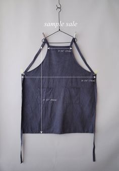 Sample Sale : Washed Blue Work Full Apron Linen by knifeinthewater Sewing Hacks, Sewing Tutorials, Sewing Patterns, Sewing Aprons, Sewing Clothes, Work Aprons, Gardening Apron, Apron Designs, Aprons Vintage