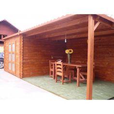 Casetta in legno mod. Yasmin 7,5x3,3 m 28 mm, 24mq Splendida casetta in legno massello di abete nordico. Comodissima con la sua tettoia inclusa, per il relax estivo o come riemssa per la legna in inverno.