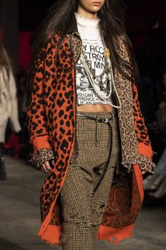 at New York Fashion Week Fall 2019 at New York Fashion Week Fall Style inspiration Leopard print cardigans outfits inspo ideas inspirations clothes Haute Couture Style, Couture Fashion, Runway Fashion, High Fashion, Winter Fashion, Fashion Trends, Fashion Details, Fashion Fashion, Fashion Tips