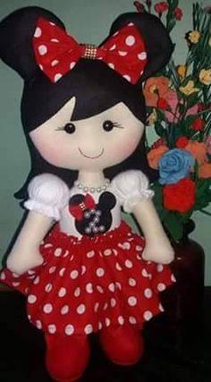 Eu Amo Artesanato: Bonequinha de feltro