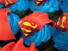 Superman Cupcakes, oh these will be made for the midnight viewing