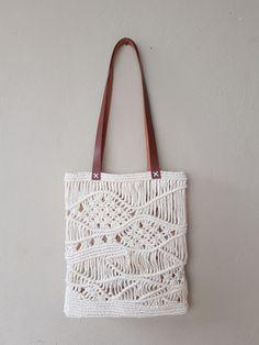 Macrame Purse, Macrame Knots, Net Bag, Macrame Patterns, Handmade Bags, Leather Handle, Weaving, Diy Crafts, Embroidery