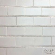 Handmade Subway Tile with Pearl Trim - Murales Pared Exterior Handmade Tiles, Handmade Home Decor, Subway Tile Backsplash, Kitchen Backsplash, Backsplash Ideas, Kitchen Cabinets, Bathroom Pictures, Bathroom Ideas, Small Bathroom