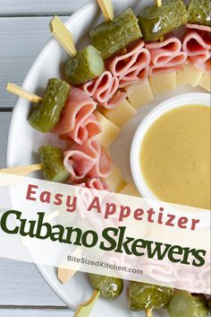 Cubano skewers made with ham cheese and pickles! An easy cold appetizer! Cold Party Appetizers, Skewer Appetizers, Appetizer Sandwiches, Appetizers For Kids, Bite Size Appetizers, Party Sandwiches, Finger Food Appetizers, Easy Appetizer Recipes, Healthy Appetizers
