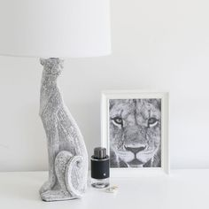 Sitting Puma Gemmed Table Lamp | Black Mango