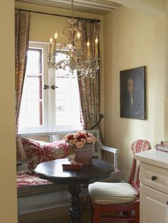 French Country Nook >> http://www.hgtv.com/decorating-basics/10-inspiring-french-country-decorating-ideas/pictures/index.html?soc=pinterest