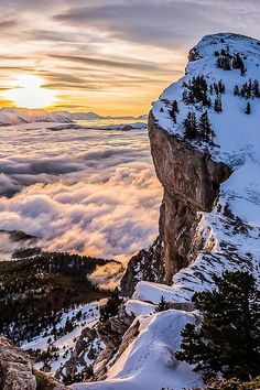 packlight-travelfar:      (via 500px / Sunrise on Vercors by Joris Kiredjian)