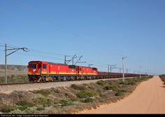 Net Photo: 15056 Transnet Freight Rail Electric at Western Cape, South Africa by Fanie Kleynhans South African Railways, Electric Locomotive, Landscape Photography, Trains, Westerns, Diesel, Diesel Fuel, Scenery Photography, Landscape Photos