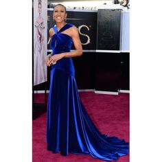 Robin-Roberts-Royal-Blue-Velvet-Prom-Dress-2013-Oscar-Awards-Red-Carpet-2-600x600.jpg (600×600)