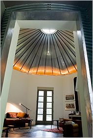 Grain Bin Home - So they aren't just for sunflowers anymore, folks!  I could see this ... if it was like this inside!