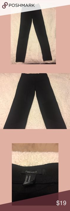 Leggings Black forever 21 leggings. Size medium. Very comfy and cute. Barely worn. Forever 21 Pants Leggings