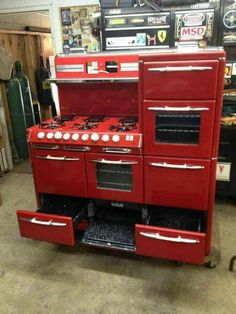 Oh my goodness- this red vintage oven is perfection.