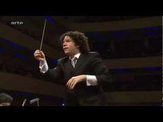 Gustavo Dudamel - Danzón No. 2 (Arturo Márquez) Amazing performance by the Simon Bolivar YOUTH orchestra.