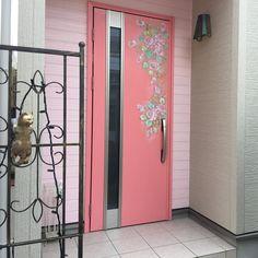いいね!52件、コメント0件 ― Naomi Kawaguchi  生徒作品(@kawaguchi.naomi)のInstagramアカウント: 「#川口奈緒美オリジナルデザイン  ドアにペイント依頼して頂きました #ドアにペイント #オリジナルペイント #オーダー受けます」