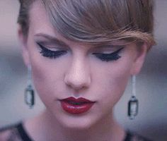 I absolutely love Taylor Swift. I think she's such an inspiration. Taylor Swift Music Videos, Taylor Swift Facts, Taylor Alison Swift, Taylor Swfit, Taylor Swift Makeup, Beautiful Bridal Makeup, Son Luna, Taylors, Girly