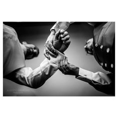 #groom#gettingready#wedding #ideasparabodas#bodasenespaña#weddingpics#bodasdiferentes#fotosdebodas#fotografodebodas#albertosagradophotographer#justoneshoot#nikon#nikond4#nikon3514#alicanteweddings#quierofotosasidemiboda#fotografiadebodas#bodasoriginales#picoftheday#weddingideas#bodasenespaña#bodasenvalencia#bodasenverano#blancoynegro#blackandwhite enjoy!!!