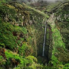 Miradouro da Garganta Funda in Calheta 🎫Tag, regram or share with any friends, family etc that would enjoy these stunning Madeira images. Friends Family, Portugal, Country Roads, Magic, Instagram, Block Island, Santa Cruz, Chokers, Cases