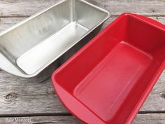 [d]Take an old beat up bread pan and give it a new use! Turn your pan into a planter perfect for a centerpiece. [/d] [d]Spray paint your worn out bread pan (or…