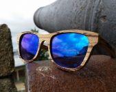 www.moler.es Zebrawood blue mirror lenses Monza model in A coruña (Spain) Moler wooden glasses handmade in Spain.  Modelo Monza madera de zebrano con lente espejada azul en A coruña.  Gafas de madera artesanales hechas a mano en España.