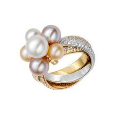 Anello 3 ori 18 carati con pavé di diamanti. 6 perle di acqua dolce: 2 perle bianche, 2 rosa e 2 dorate. Larghezza della fascia: 4 mm.