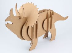 Dinosaur out of cardboard Dinosaur Eggs, Dinosaur Party, Dinosaur Birthday, Cardboard Animals, Cardboard Toys, Diy Crafts For Kids, Projects For Kids, Art For Kids, Recycled Toys
