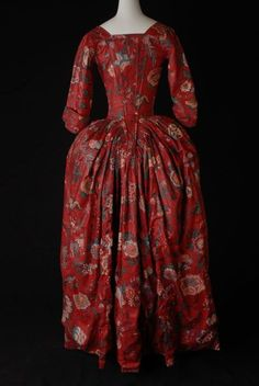 Robe a l'anglaise, 1780-85 From the Museum Rotterdam