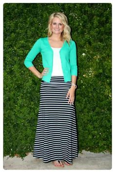 Want to earn Stitch Fix credit? Day at the Park outfit or Out Shopping! Modest Wear, Modest Dresses, Modest Outfits, Casual Outfits, Cute Outfits, Work Fashion, Modest Fashion, Skirt Fashion, Fashion Outfits