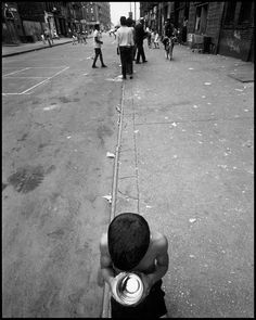 East Street, 1970 by Bruce Davidson Monochrome Photography, Artistic Photography, Black And White Photography, Street Photography, Art Photography, Inspiring Photography, Bruce Davison, Rochester Institute Of Technology, Susan Sontag